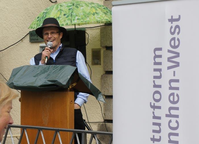 Rüdiger Schaar eröffnet die Eröffnung ...